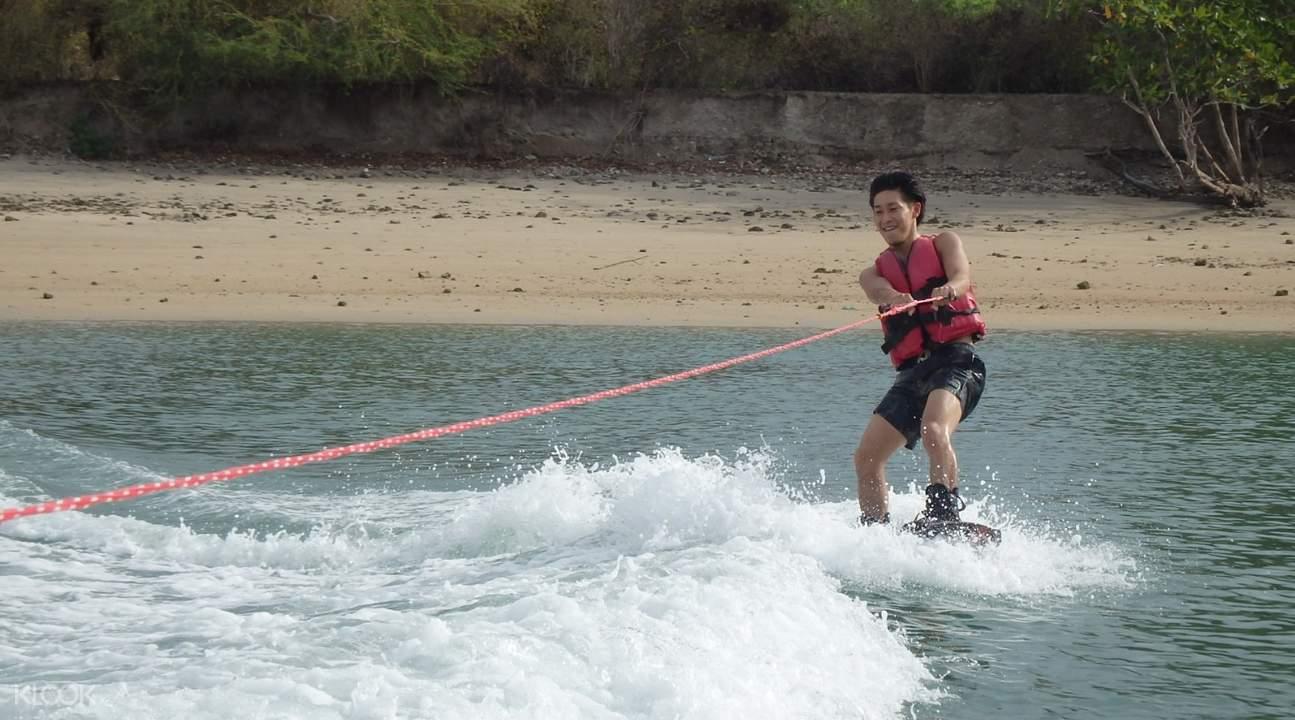 巴厘岛宽板体验手球滑水极限加乌龙图片